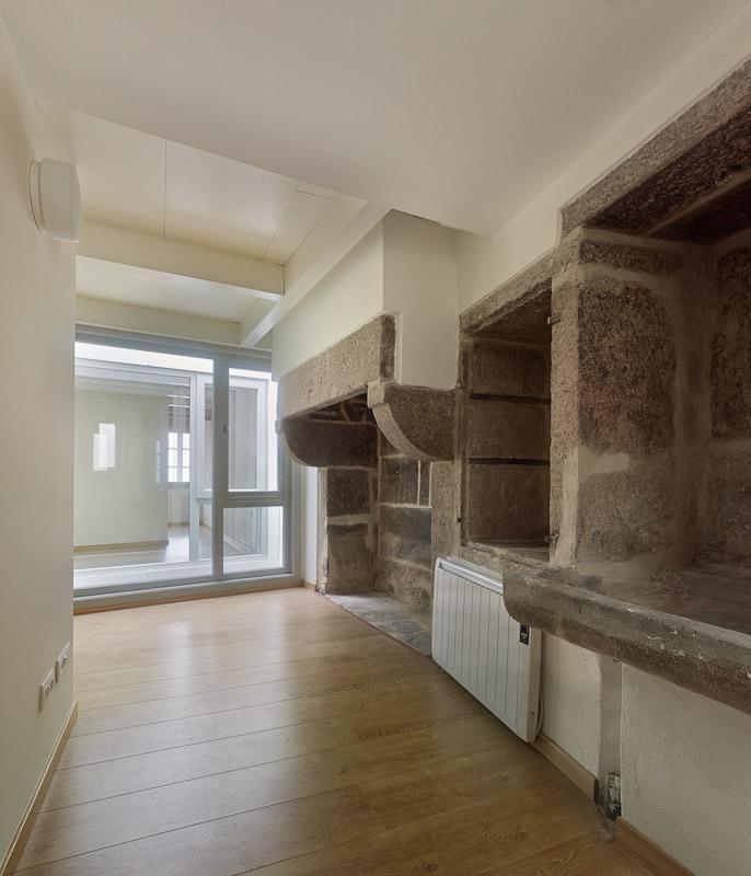 Rehabilitaci n de edificio para 2 viviendas en alquiler 2c arquitectos estudio de - Arquitectos en santiago de compostela ...